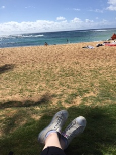 is taking a picture of your feet at a beach still a thing???